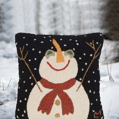 The weather outside is delightful. Let it snow, let it snow, let it snow! says the snowman. Let It Snow, Let It Be, Rug Hooking, Pillow Inserts, Snowman, Weather, Throw Pillows, Wool, Rugs