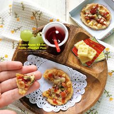 Cuisine Paradise | Singapore Food Blog | Recipes, Reviews And Travel: [Recipe + Video] Kracie Happy Kitchen - Edible Miniature Pizza Kit