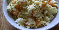 Mein Lieblingssalat:     1 Karotte  1/2 Spitzkohl  1 geh. EL Saure Sahne  ca.50ml Süße Sahne  1 geh. TL Honig-Senf  ...