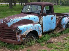 Rustic antique car inspired lawn art at one of two botanical gardens in Knoxville