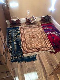 Prayer Mat Islam, Islamic Prayer, Prayer Rug, Islamic Art, Islamic Images, Prayer Corner, Home Id, Ramadan Decorations, Coran