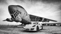Porsche Cayman and IL-76 [3840x2160]