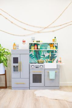 How to hack and customize a DIY kids' play kitchen, plus the best toy food accessories!