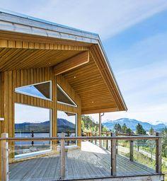 Tøff fasade på hytten fra R-T Eiendom i Stangvik - kledning i MøreRoyal®