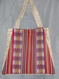 MT.1204 tas van textiel met peruanse motieven