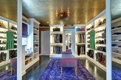 Awesome closet that looks likes a store