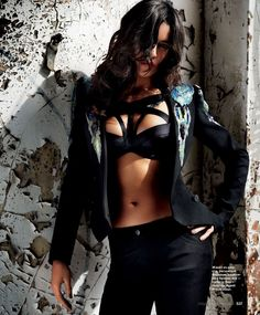 Photoshoot: Michelle Rodriguez by David Mandelberg for InStyle Russia, September 2012 This look is badass Michelle Rodriguez, Gal Gadot, Paul Walker, Non Blondes, Erica Durance, Vin Diesel, How To Pose, Fast And Furious, Furious 6
