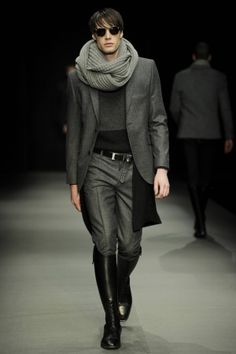 SAND. Infinity scarf, leather boots, grey blazer