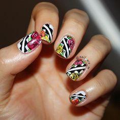 #nails #nail #fashion #style #trondheim #cute #beauty #beautiful #instagood #pretty #girl #girls #stylish #negler #styles #gliter #nailart #art #opi #photooftheday #essie #unhas #preto #branco #rosa #love #shiny #polish #nailpolish #nailswag
