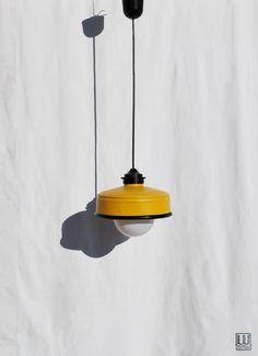 Lampadario / lampada a sospensione color senape , fatta a mano, eco-friendly : da latte di caffé Illy