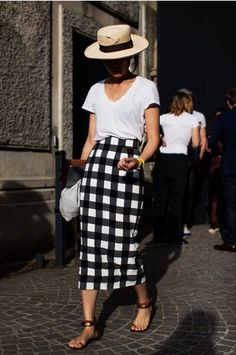 Straw hat, white t-shirt, black & white check midi pencil skirt & sandals | @styleminimalism