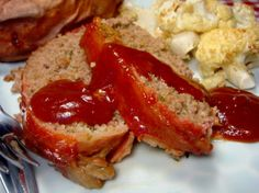 Pioneer Woman Favorite Meatloaf Recipes - used crackers instead of bread crumbs & bbq sauce instead of ketchup... It was a huge hit!