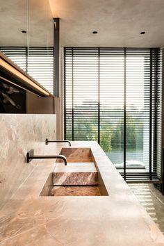 Wash basin in Opera Fantastico Stone by Potier - Showroom Interieurbureau Wille in Knokke Belgium