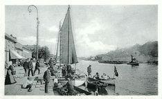 Østfold fylke Fredrikstad  FREDRIKSSTAD. Fiskebryggen med båter og folk Utg Carl A. Larsen, Fredrikstad tidlig 1900-tallet