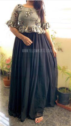 Dress Neck Designs, Fancy Blouse Designs, Stylish Dress Designs, Stylish Dresses, Long Gown Dress, Frock Dress, Long Skirt Top Designs, Long Gown Design, Kalamkari Dresses