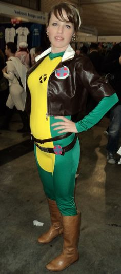 Gorgeous Rogue cosplay from Xmen at Supanova Sydney 2013