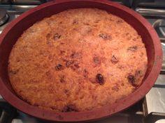 baguette, raisins secs, oeuf, sucre vanillé, levure chimique, eau, rhum, sucre semoule, beurre, fleur d'oranger, lait demi-écrémé...