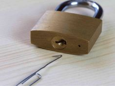 How to Open a Lock Without a Key (with Pictures) Simple Life Hacks, Useful Life Hacks, Household Cleaning Tips, Cleaning Hacks, Cleaning Supplies, Anniversary Cake Designs, My Folder, Diy Crafts Hacks, Best Horrors