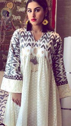 Great for Ramadhan Jalabiya Abaya Fashion, Modest Fashion, Fashion Dresses, Mode Abaya, Mode Hijab, Oriental Fashion, Indian Fashion, Night Gown Dress, Caftan Dress