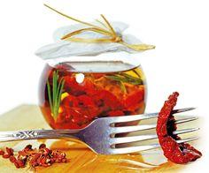 Nakládaná rajčata Pasta, Sun Dried, Raisin, Food And Drink, Vegetables, Tableware, Kitchen, Welding, Olive Oil