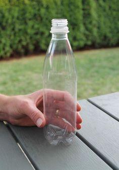 GETINGFÄLLA | Allt du behöver är en tom PET-flaska. Både den stora och den mindre flaskan fungerar bra.