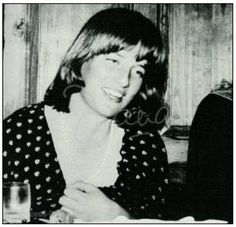 . Lady Diana this is probably taken in 1978 or earlier. By 1979 she had dropped the bob haircut as evident from the Mar 79 ski holiday photographs where she had started with the layers.
