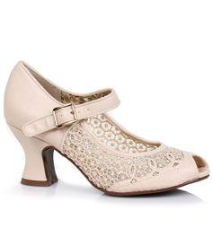 Cute shoes! 1940s style peep toe lace heel shoes.