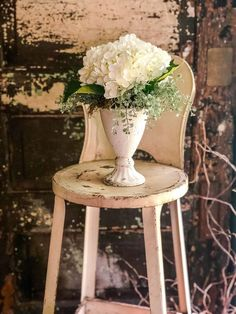 The Helene Shabby Chic Cent...