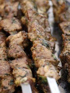 Schaschlik mit Knoblauch in Ölmarinade Schaschlik s tschesnokom - Шашлык с чесноком - Russische Rezepte