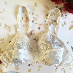 Betty White Silk Bra - Soft - Lace - Lingerie - Bralette - Pinup - Bridal - Unique Wedding Gift - Gift for Her - Bridesmaid Gift - Women