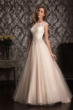 I Love the Classic Look / Allure Bridals #20922