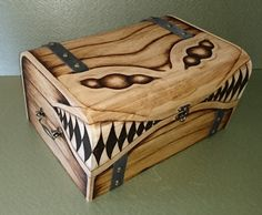 EXTRA LARGE DELUXE Mimic Wooden Gaming Chest Lined Padded / Keepsake Miniatures Dice box Dicebox Fantasy MtG D&D dungeons and dragons