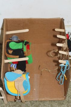 Life With Full Hands: September 2014 Schleich Horses Stable, Horse Stables, Barbie Horse, Bryer Horses, Toy Barn, Horse Camp, Horse Halters, Horse Accessories, Horse Crafts