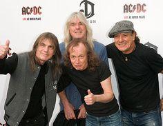 AC/DC encabeza cartel del Festival de Coachella 2015 - https://notiespectaculos.info/acdc-encabeza-cartel-del-festival-de-coachella-2015/