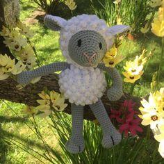Patrón amigurumi de oveja Molly Diy Crochet Amigurumi, Amigurumi Patterns, Amigurumi Doll, Crochet Yarn, Crochet Toys, Free Crochet, Crochet Ideas, Eco Friendly Toys, Tinkerbell