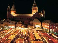 Mainz Christmas Market, looking towards the Dom (Cathedral)
