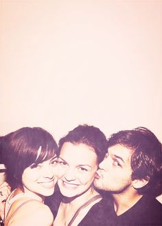 Krysta Rodriguez, Jenn Damiano & Wes Taylor. Imma gonna go cry now cuz I wasn't in this photo.