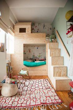 The Socialite Family - Chambre d'Achille 5 ans et Brune 3 ans - #decoration #kidsroom #cabane #bois #scandinave #inspiration #thesocialitefamily