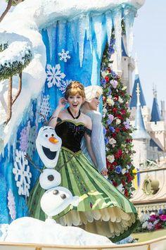 'Disney Festival of Fantasy Parade' Magic Kingdom Park « Disney