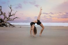 Victoria Simmons Photography: Dancer on Driftwood Beach Southeast Georgia Senior Photographer Senior Dance Photos Dance Photography Poses, Gymnastics Photography, Beach Photography, Dance Pictures, Beach Pictures, Tumblr Ballet, Dance Photo Shoot, Driftwood Beach, Beach Poses