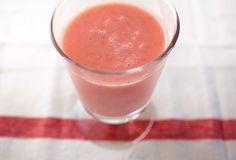 腸に効き目抜群! おいしさも満点の「りんごといちごのスムージー」をご紹介。【オレンジページ☆デイリー】料理レシピをはじめ、暮らしに役立つ記事をほぼ毎日配信します!