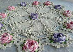 great pattern to reproduce! Crochet Doily Rug, Crochet Dollies, Crochet Circles, Crochet Potholders, Crochet Quilt, Crochet Art, Crochet Home, Thread Crochet, Irish Crochet
