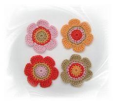 SaVö-Design - 4 Häkelblumen 6 cm