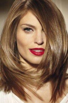 Coupes de cheveux femme mi long - http://lookvisage.ru/coupes-de-cheveux-femme-mi-long/ #Cheveux #Beauté #tendances #conseils