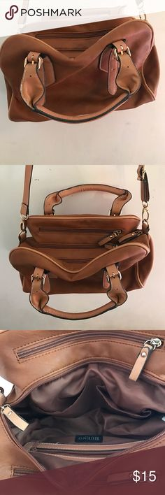 """Tan Crossbody bag, roomy with lots of pockets NWOT Purchased at Target, NWOT Lots of pockets, easy to organize using this bag Adjustable and removable crossbody strap  Light tan """"leather"""" material Bueno Bags Crossbody Bags"""