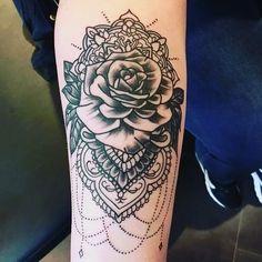 #oldschooltattoo von #günnistattoowerkstatt #Tattoo #Tattoowerkstatt #rose #rosentattoo #rosetattoo #blackworktattoo #blackwork #sailortattoo