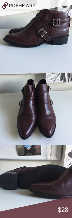 ZARA BOOTS size 38 Zara Basic Ankle Boots. Beautiful oxblood color. only 2x wear. Great with a pair of skinny Jeans or day dress! Zara Shoes Ankle Boots & Booties