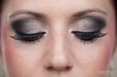 Smokey eye make up - if this wouldn't look so bad on me, and I could put it on right, I think this looks beautiful Makeup For Brown Eyes, Smokey Eye Makeup, Smoky Eye, Smokey Eyeshadow, Wedding Eye Makeup, Bridal Makeup, Beauty Makeup, Hair Makeup, Fake Lashes