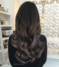 Long Wavy Ash-Brown Balayage - 20 Light Brown Hair Color Ideas for Your New Look - The Trending Hairstyle Brown Hair Balayage, Hair Color Balayage, Brown Bayalage, Baylage, Cheveux Beiges, Hair Boutique, Light Brown Hair, Long Dark Hair, Long Curly