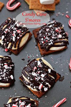 Candy Cane S'mores ~ ♥ #christmas #recipes #crafts #diy